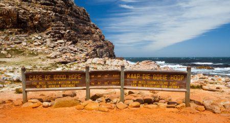 The Cape Peninsular offers spectacular coastal scenery.