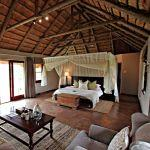 Room at Hlosi Game Lodge